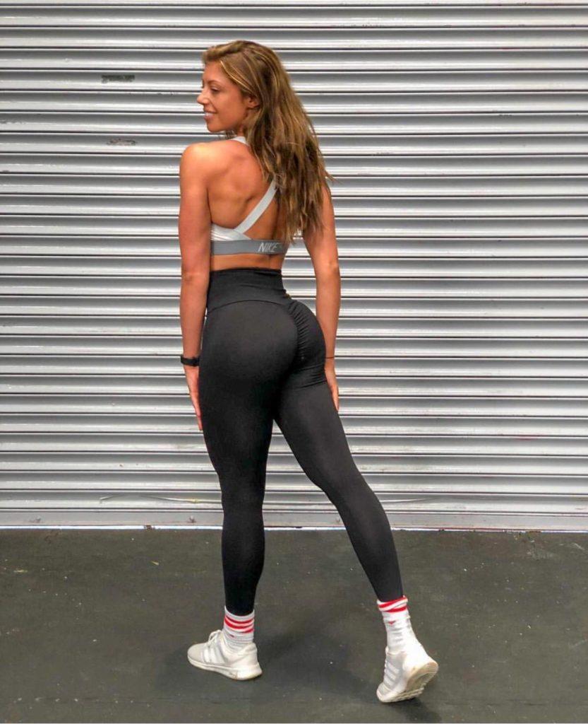 black leggings with a scrunch bum