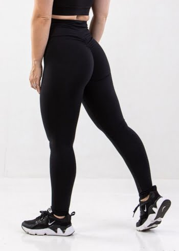 black scrunch bum leggings