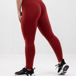 red scrunch bum leggings